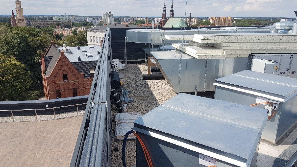 dachy płaskie użytkowe techniczne 138