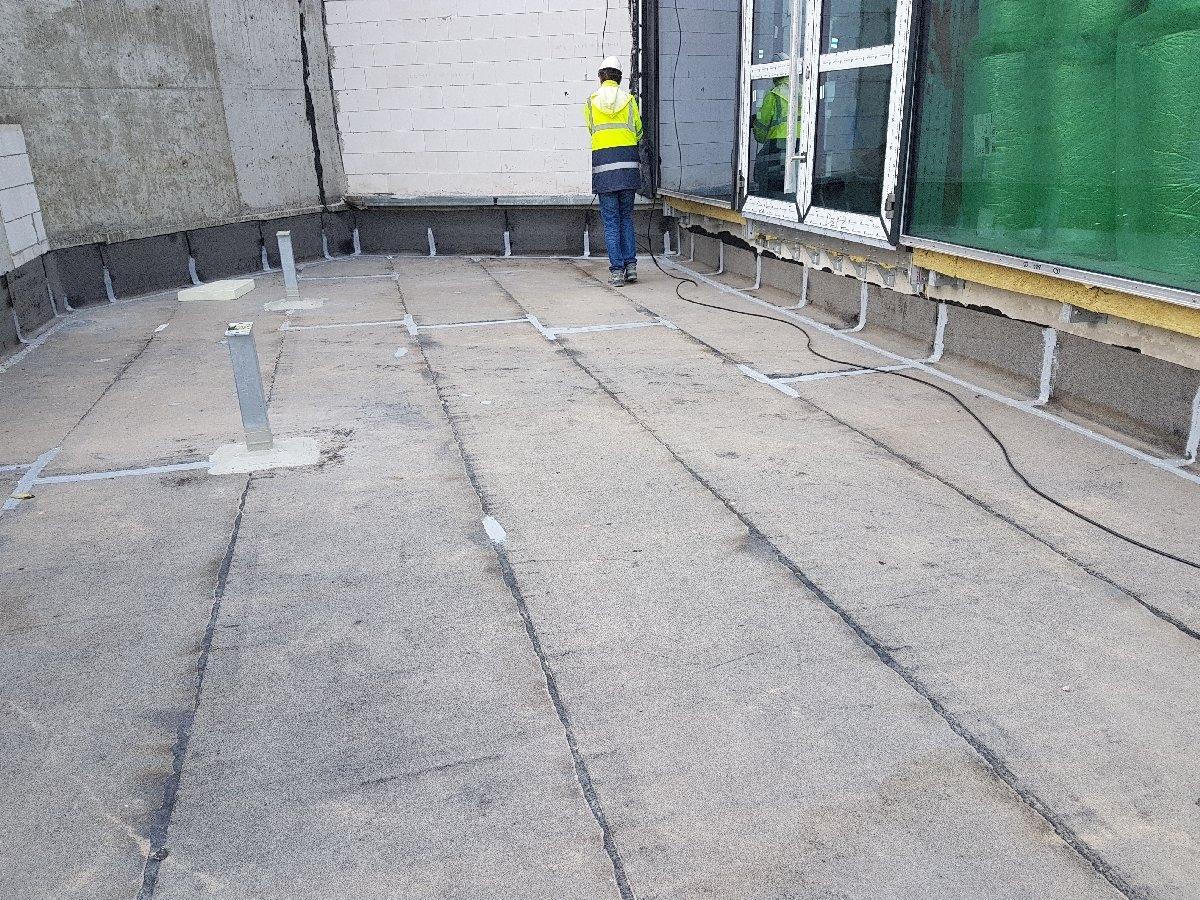 dachy płaskie użytkowe techniczne 220