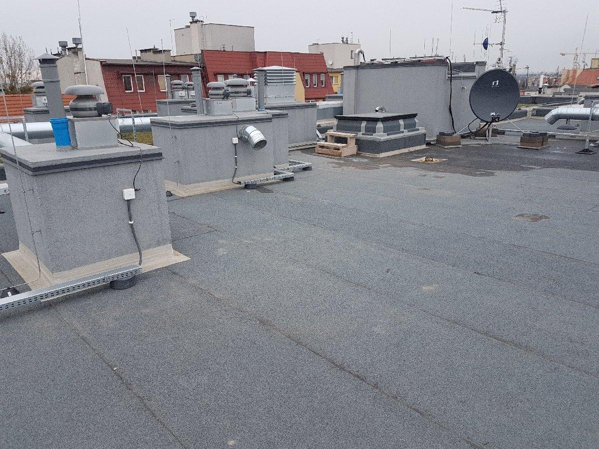 dachy płaskie użytkowe techniczne 235